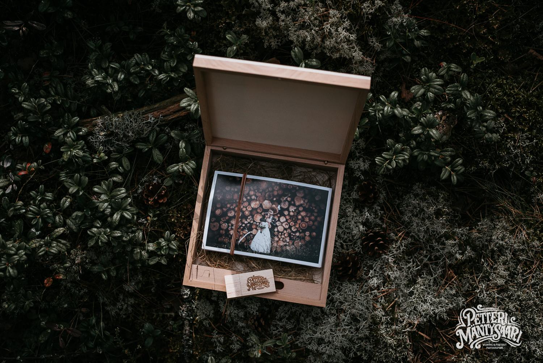 haakuvaus-turku-haavalokuvaaja-petteri-mantysaari-dokumentaarinen-potrettti-haapotretti-pyhan-laurin-kirkko--